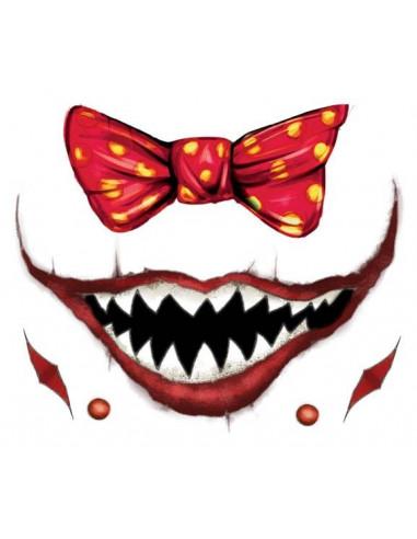 Strašidelný klaunský úsměv a červený...