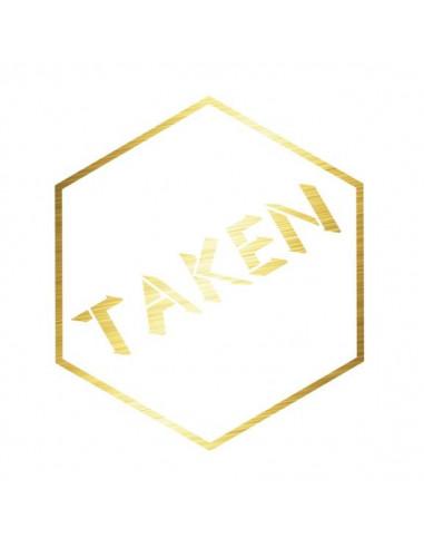 Metalický zlatý nápis Taken -...