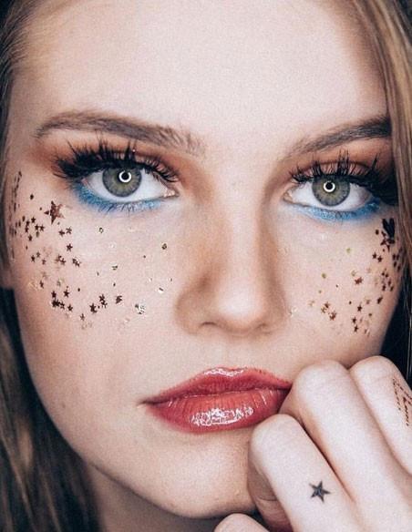Tetovačky na obličej
